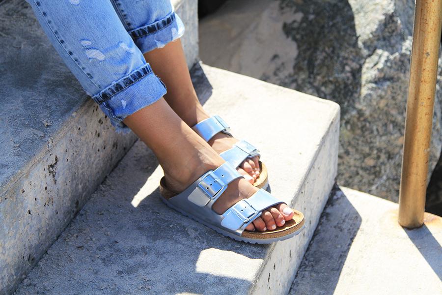 「Birkenstock Women's Arizona Slim Fit Double Strap Sandals」的圖片搜尋結果